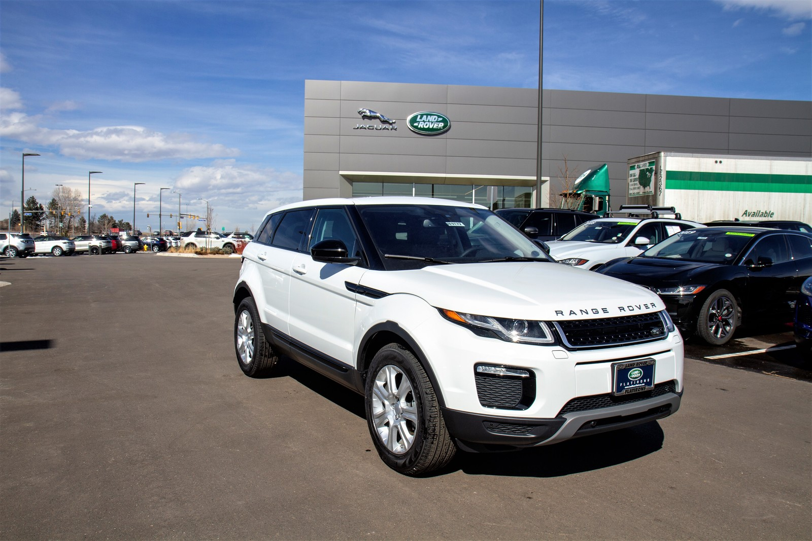 Pre-Owned 2019 Land Rover Range Rover Evoque 5 Door SE Premium